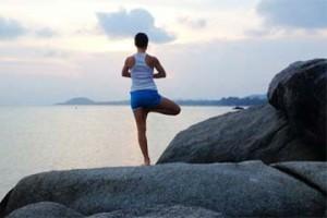 yoga-and-sea