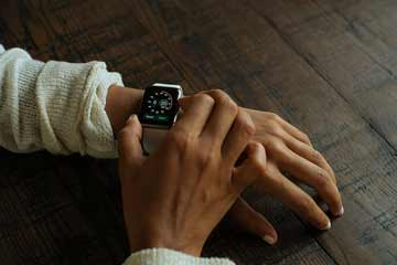 Will Smartwatches Like the Apple Watch Take Over Mens Wrists