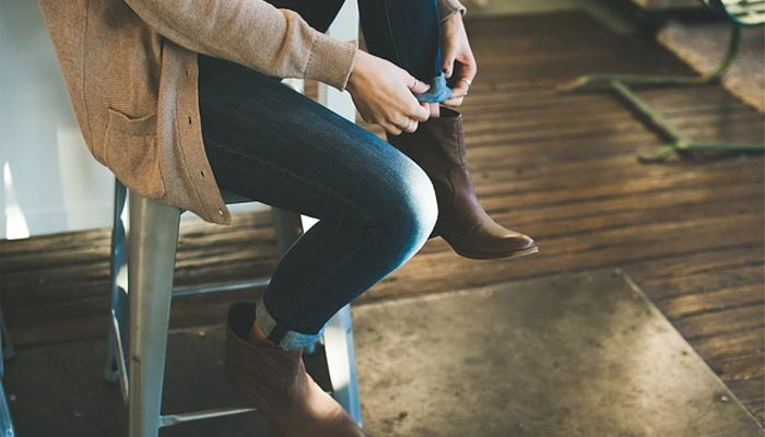 cardigan-with-boots