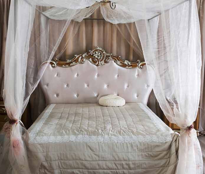 Antique-Style-Bed