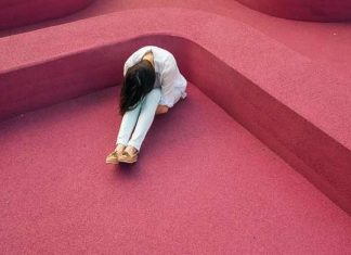 Depresses anxiety