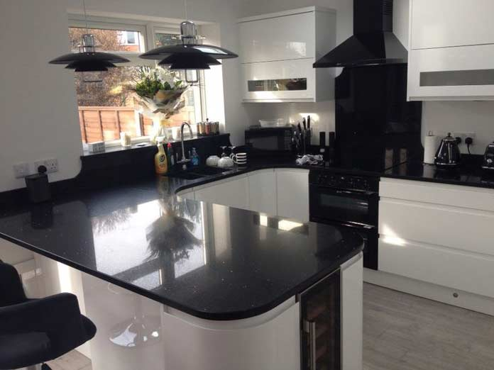 black-quartz-worktop