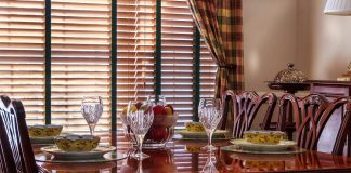 Curtains in dining room