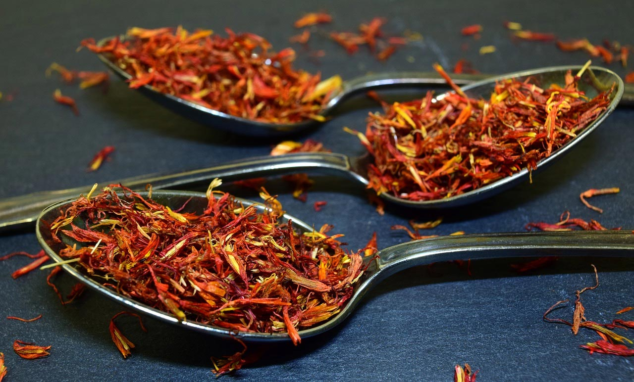 Saffron extracts