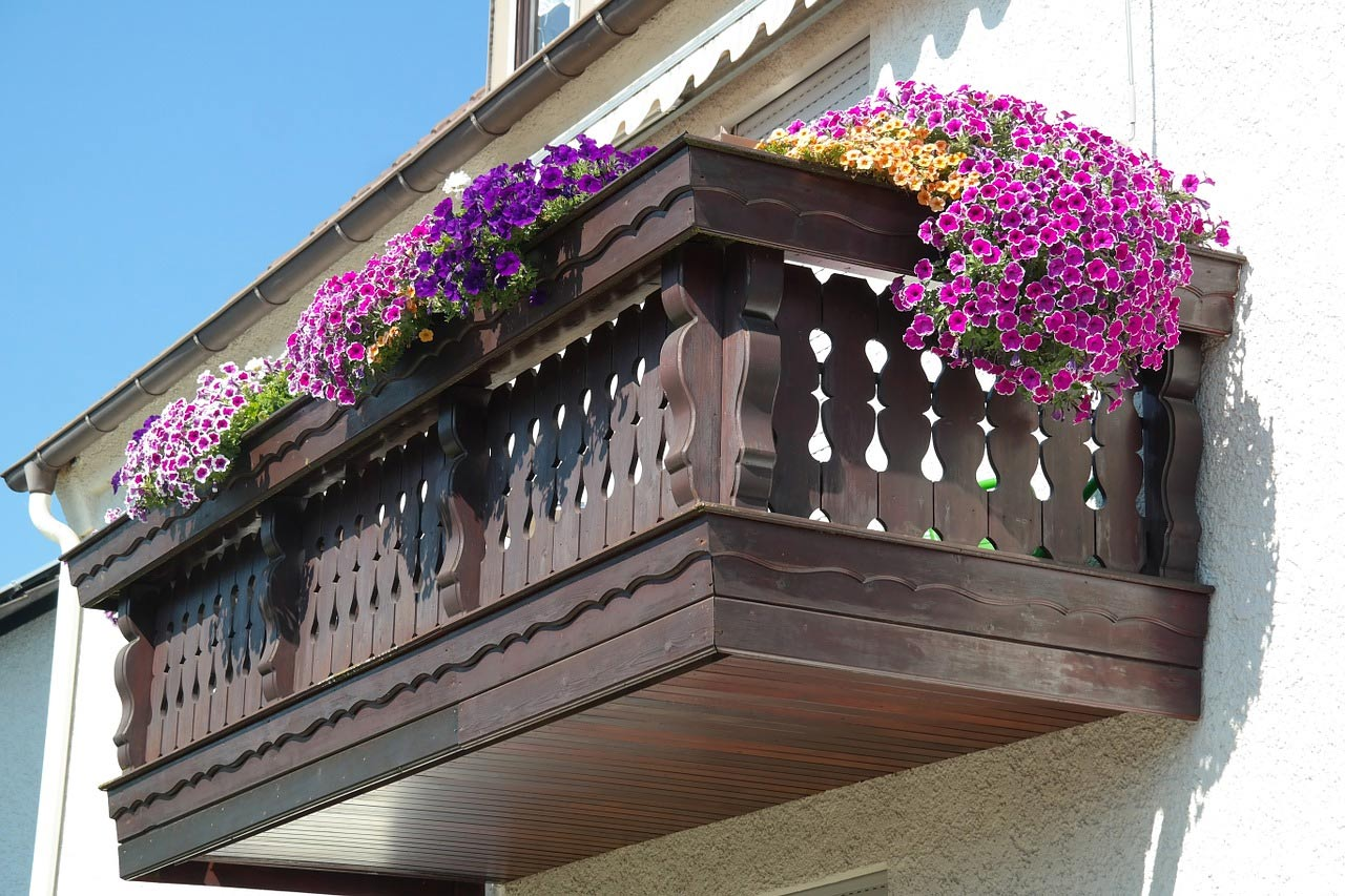 Balcony flower arrangement