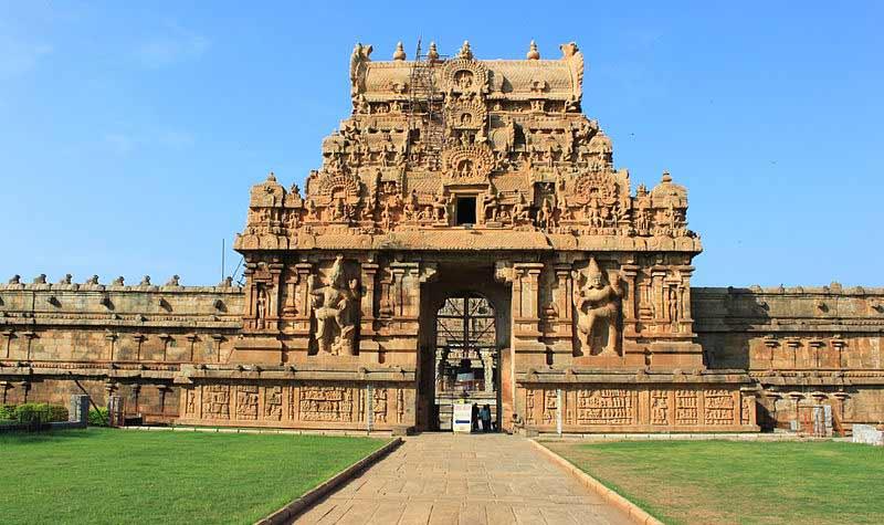 Thanjavur Brihadeeswara Temple gopuram