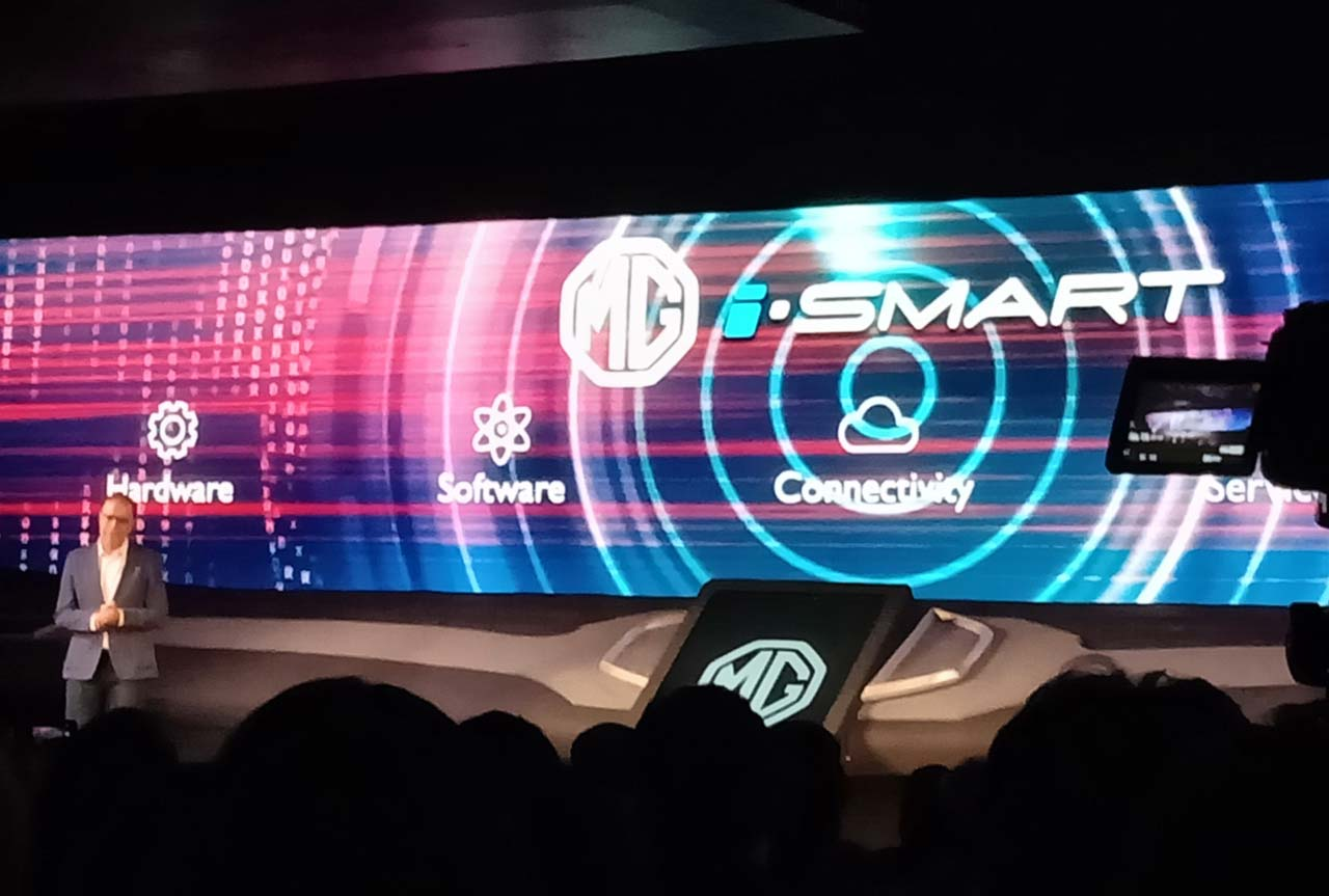 Rajeev Chaba explaining features of MG Hector iSmart technology