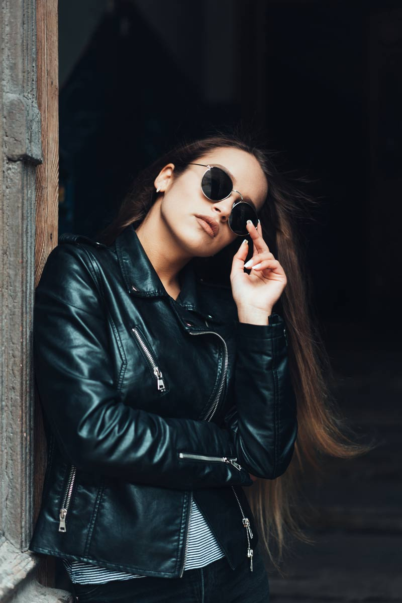 Wear a leather jacket the chicest way - Your ultimate style guide 4