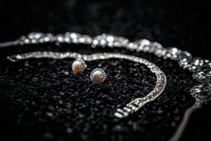 silver bracelet and necklace